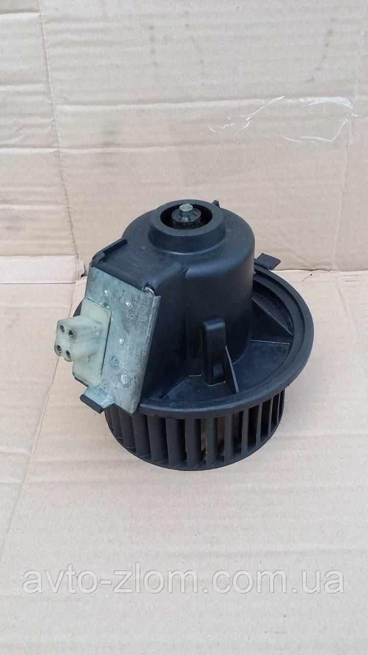 Вентилятор печки  Volkswagen Golf 2, Jetta.