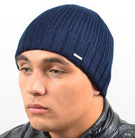 Однотонная мужская шапка