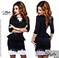 Стильное трикотажное черное платье с черными кружевными вставками и пояском . Арт-2421/66