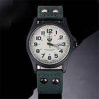 Мужские военные часы белые с зеленым