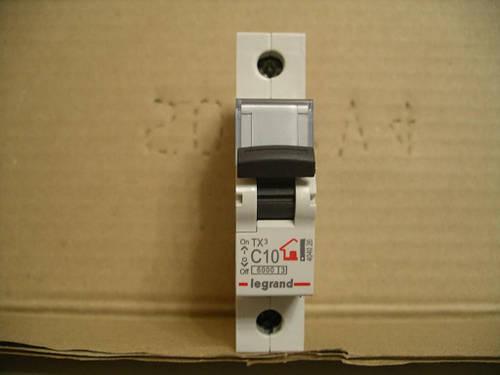 Legrand Автомат. выключатель TXC10А-1Полюс 6 кА