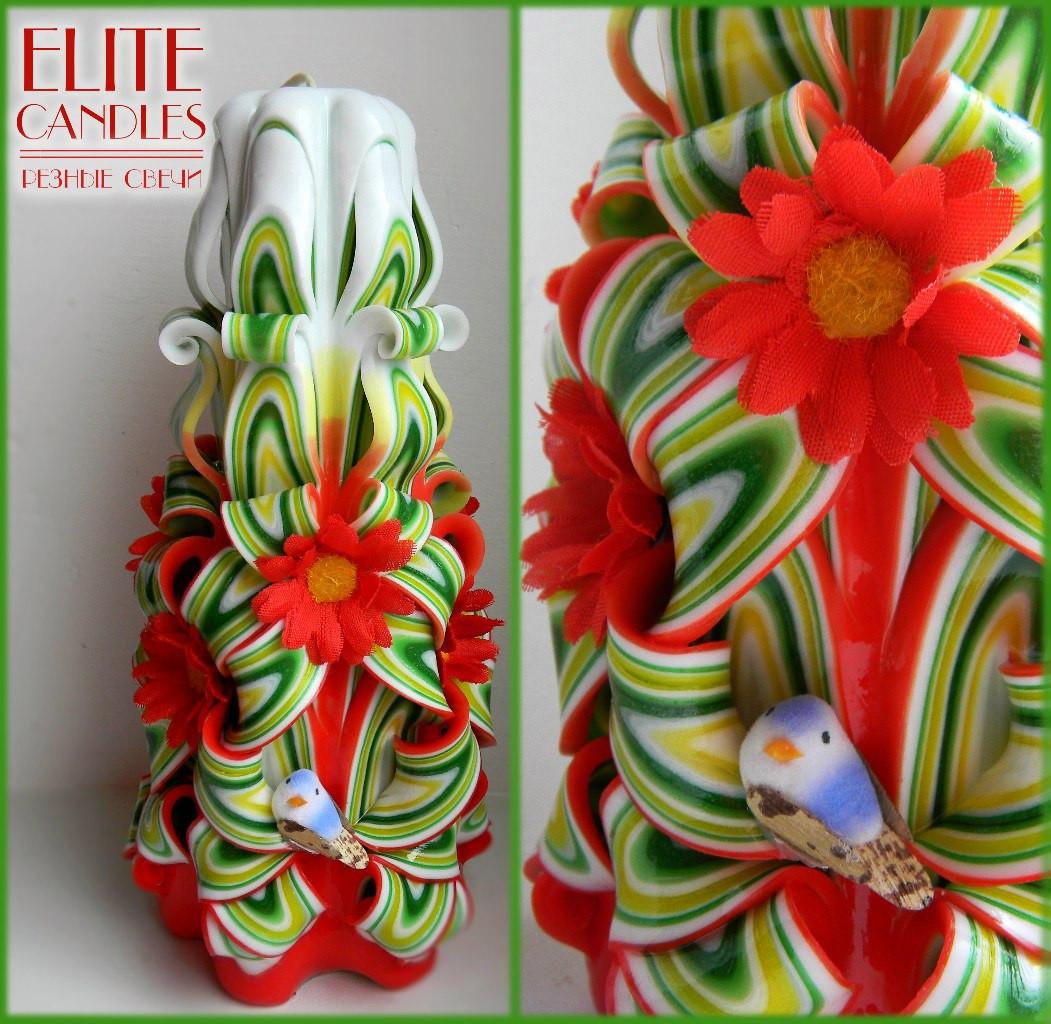 Резная свеча с красными ромашками и птичкой №3004 (Разноцветная) 22 см высотой