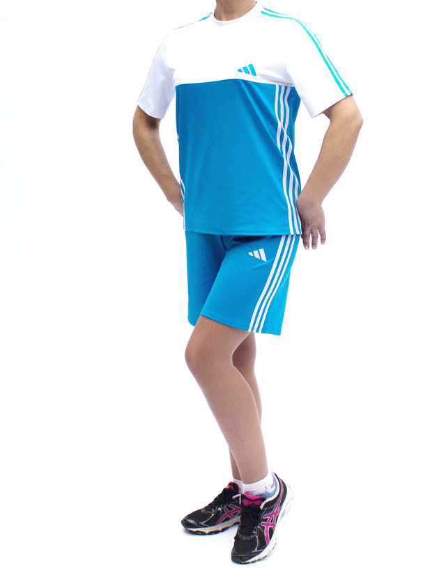Летний спортивный костюм женский - футболка и шорты
