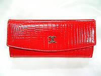 Женский лаковый кошелёк CHANEL