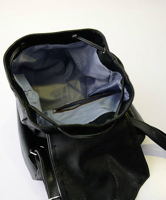 модный рюкзак с черепом