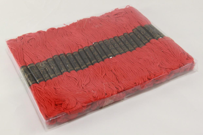 Муліне для вишивання 50 шт червоного кольору