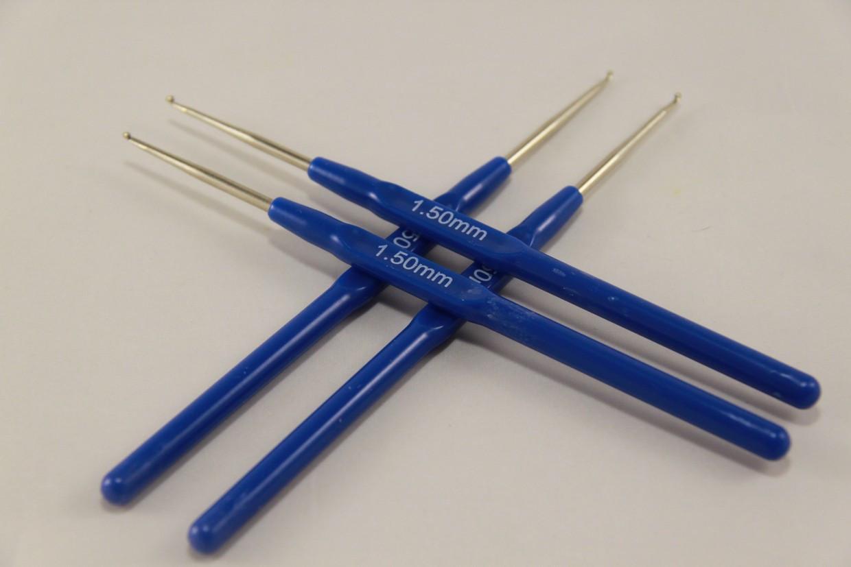 Крючок для вязания с пластмассовой ручкой 1,5 мм