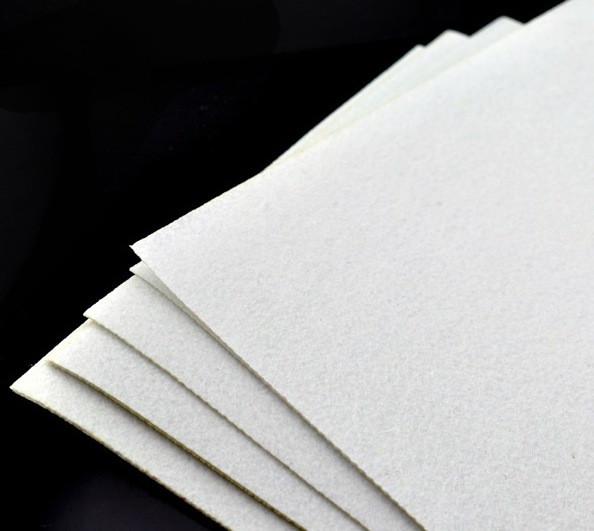 Фетр 20*30 см 1 мм белый
