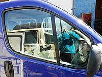 Стекло двери передние на Renault Trafic Рено Трафик Трафік