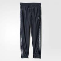 Фирменные брюки с логотипом adidas Essentials Wind Pants AY8363