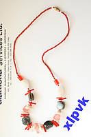 Ожерелье.Натуральные красные кораллы,белый и серый агаты,розовый кварц.55 см.Индия