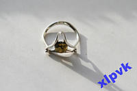 Кольцо ЗЕЛЕНЫЙ ЯНТАРЬ- 20 р-925 проба-Шар в треугольнике