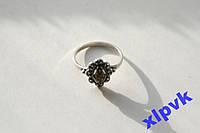 Кольцо Зеленый янтарь- 17 р-925 пр-Ромб в кружеве-Польша