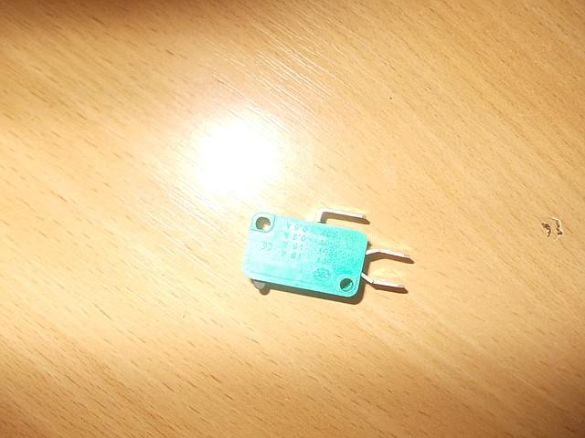 Микропереключатель трехходового клапана