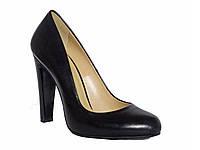 Женские кожаные туфли-лодочки на клиновидном каблуке