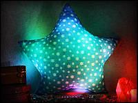 Светящаяся подушка Звездочка со снежинками