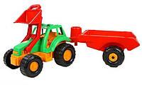 Трактор в прицепом