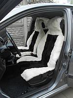 Автомобильные чехлы  из овчины белого цвета с черными вставками АЧ1