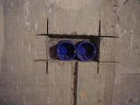 Штробление под электрокабель в кирпичной стене