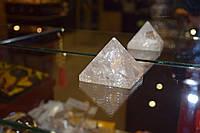 Пирамида из горного хрусталя
