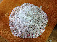 Шляпка белая из кружева: украшение для волос