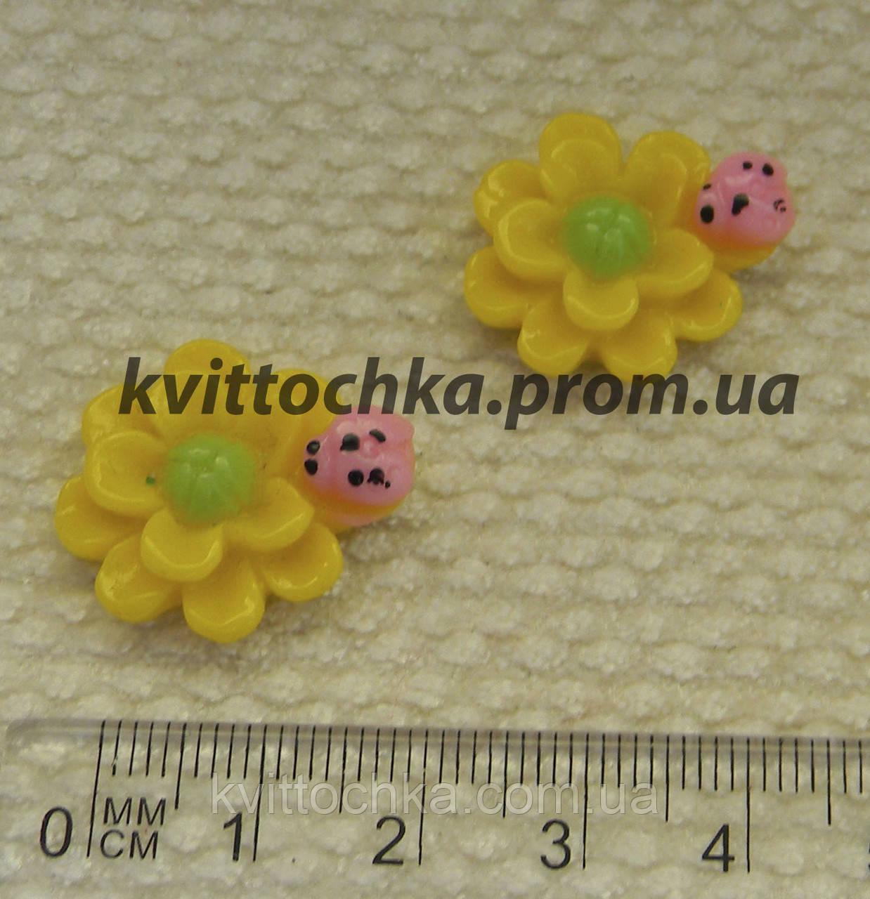 """Серединка-кабошон """" Солнечный цветок """" желтый"""