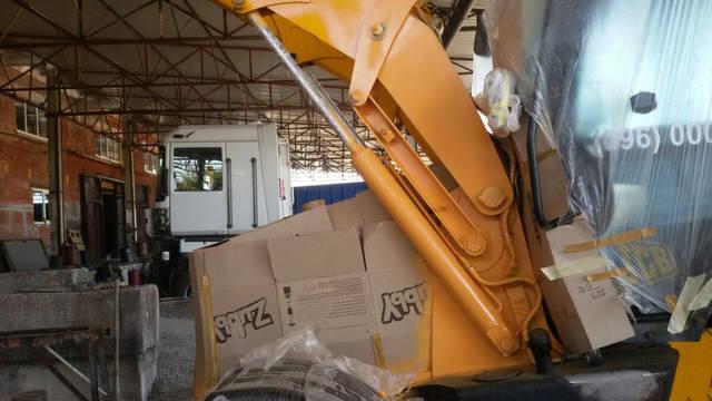Реставрация экскаватора JCB 2
