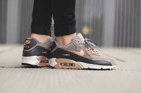Женские кроссовки Nike Air Max 90 leather brown-gold