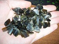 Природный  зеленый турмалин 90 грамм