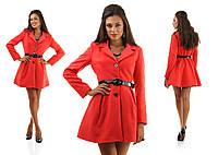 Элегантное кашемировое пальто на пуговицах с расклешенным низом на поясе, красное
