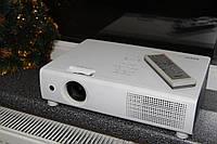 Яркий проектор Sanyo PLC-XU101 4000Lm 1024x768 с Новой лампой, для офиса дома презентации кинотеатра