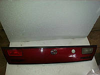 Фонарь крышки багажника задний левый на Mazda 323 BA F 1994-1998 года. БУ. Код BC6A51180