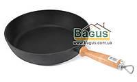 Сковорода чугунная глубокая 280х60мм с деревянной ручкой, посуда чугунная Эколит (Украина) 2860ДР