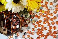 Стразы пришивные акрил янтарные 8мм