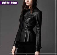 Короткая куртка из кожзама с накладными карманами и защипами по низу