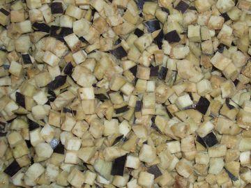 Баклажан кубиками замороженные, минимальная фасовка для заказа 2,5кг, в ящике 10 кг