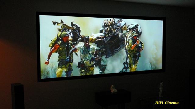 Проекційний екран на рамі