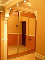 Встроенный шкаф-купе на 3 двери с комбинированными фасадами