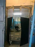 Маятниковые распашные двери из ПВХ