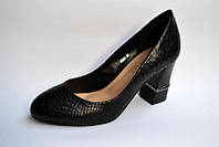 Туфли женские на каблуке  35,36