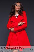Расклешенное женское кашемировое пальто красное