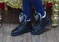 Стильные зимние ботинки на шнурках