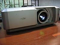 Sanyo PLV-Z4 качественный HD проектор