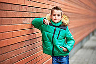 Детская куртка для мальчика с отстегивающимся капюшоном