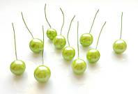Ягоды Салатовые глянцевые на проволоке 10 шт/уп 12 мм