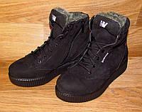 Зимние женские ботинки на шнурке
