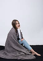 Модный вязаный теплый плед цвета капучино