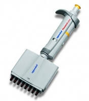 Многоканальные микродозаторы Eppendorf Research® plus Объем 0,5 - 10 мкл Тип 8-канальный Цветнаякодировкаклавиши серый