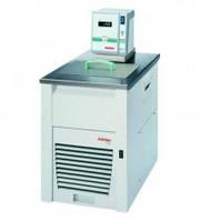Охлаждающие оборотные термостаты Economy ED / EH Тип Economy F25-EH Диапазонтемператур -28 до 150 °C Темп.стабиль-ность 0,03 ± °C Холодопроиз-водитель