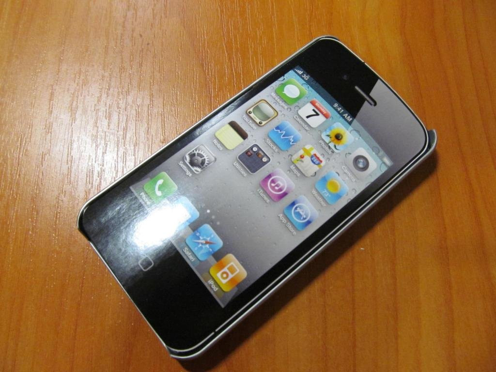 Чехол ifrogz для iphone 4 , 4S оригинал